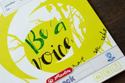 Schulhefte, Cover, Sprüche, Spruch, Motivation, kreativ, be a voice, not an echo, Handlettering